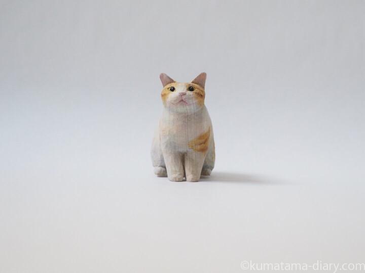 茶トラ白猫木彫り猫