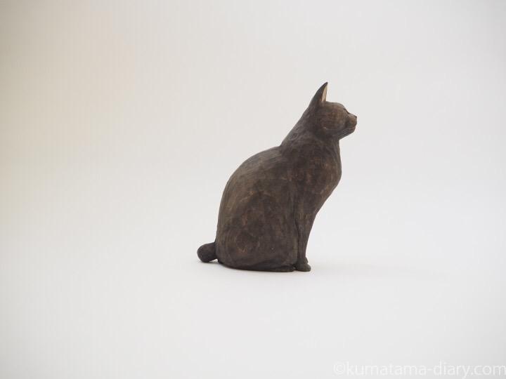 黒猫舌出し木彫り猫右