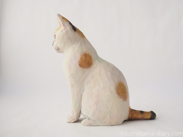 三毛猫さん木彫り猫左