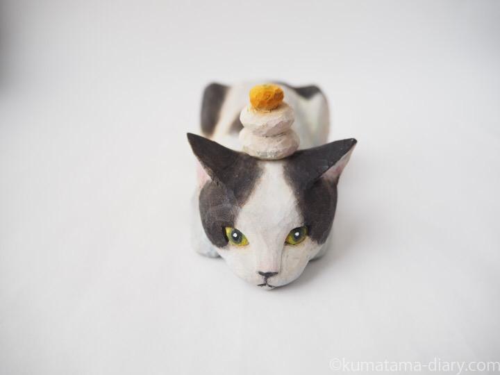 白黒猫さん木彫り猫鏡餅