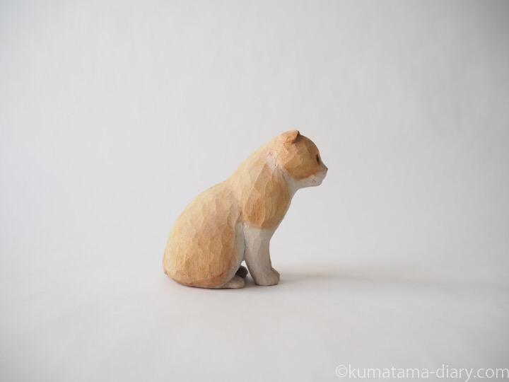 クリームスコティッシュ木彫り猫右