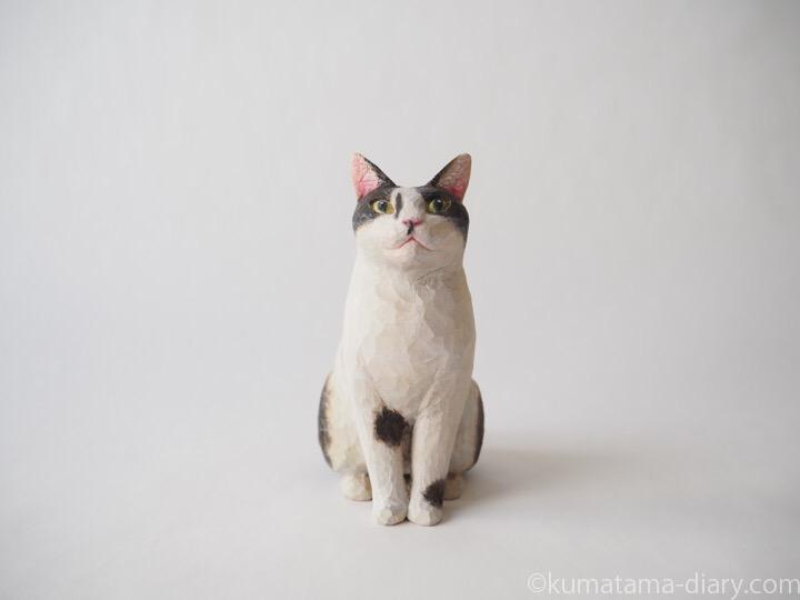 白黒猫さん木彫り猫