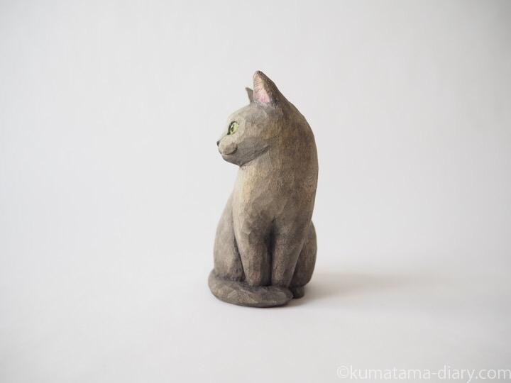 グレー木彫り猫