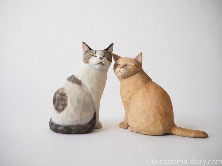 キジトラ白猫さんと茶トラ猫さん木彫り猫