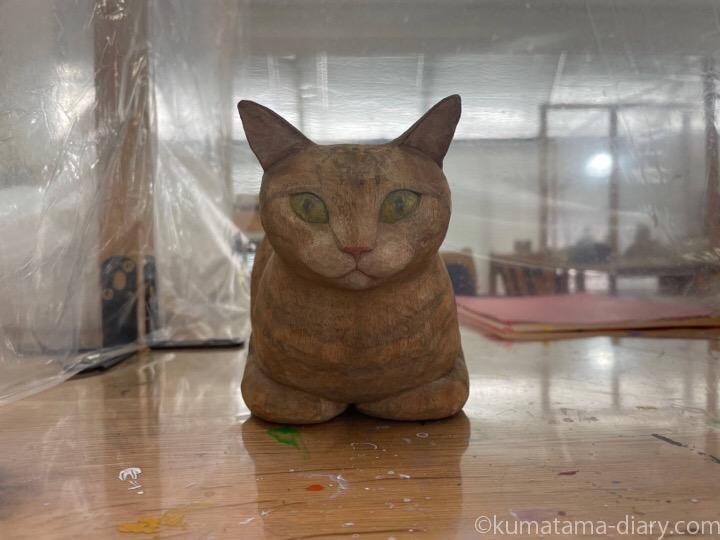 彫刻教室で作っている作っている木彫り猫