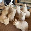 作りかけの木彫り猫