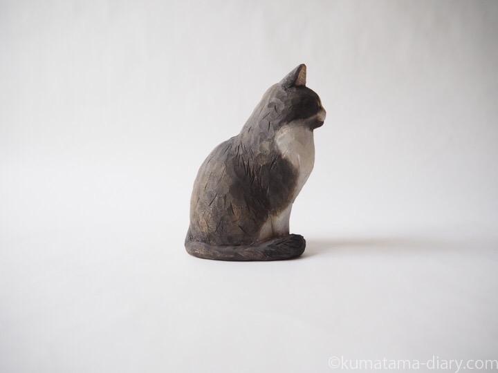 長毛黒白猫さん木彫り猫右