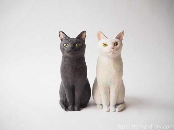 黒猫さん白猫さん木彫り猫