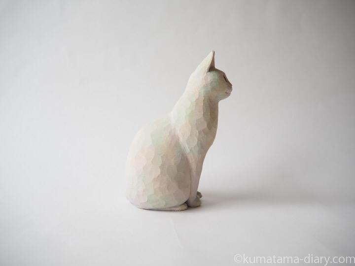 白猫さん木彫り猫右