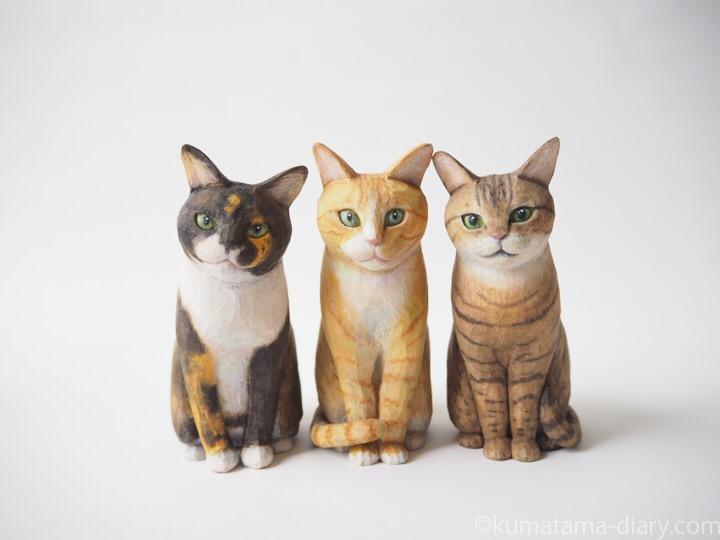 3匹の木彫り猫さんたち