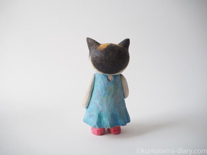 三毛猫木彫り猫後ろ