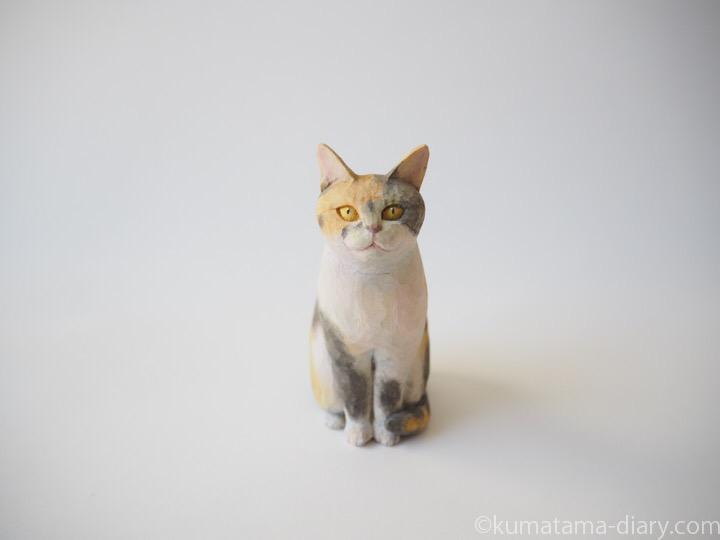 パステル三毛猫さん木彫り猫
