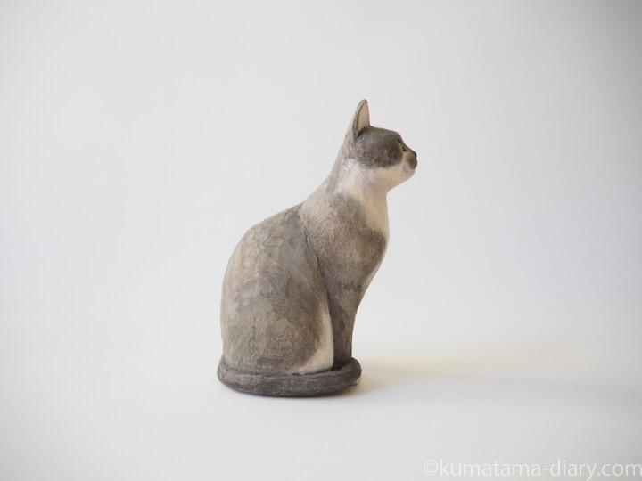 グレー白猫さん木彫り猫右