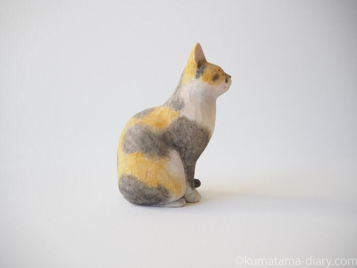 パステル三毛猫さん木彫り猫右
