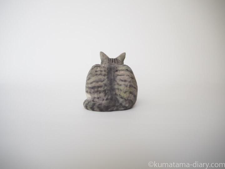 ミードくん木彫り猫後ろ