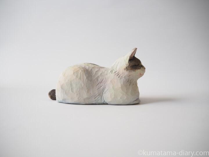 キジトラ白猫さん木彫り猫右